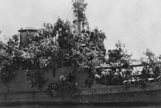 Dragamine HNLMS Abraham Crijnssen mascherato da isola