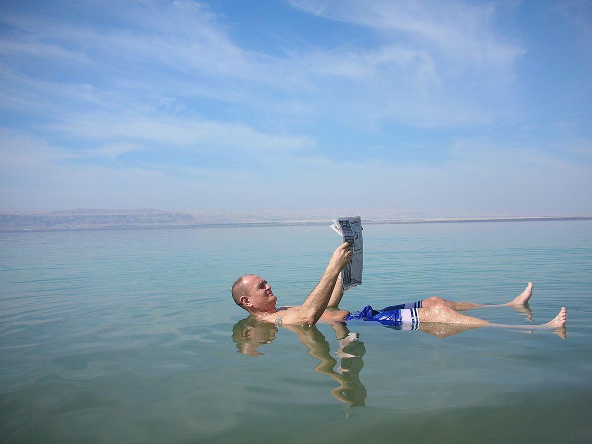 Bagno nel Mar Morto
