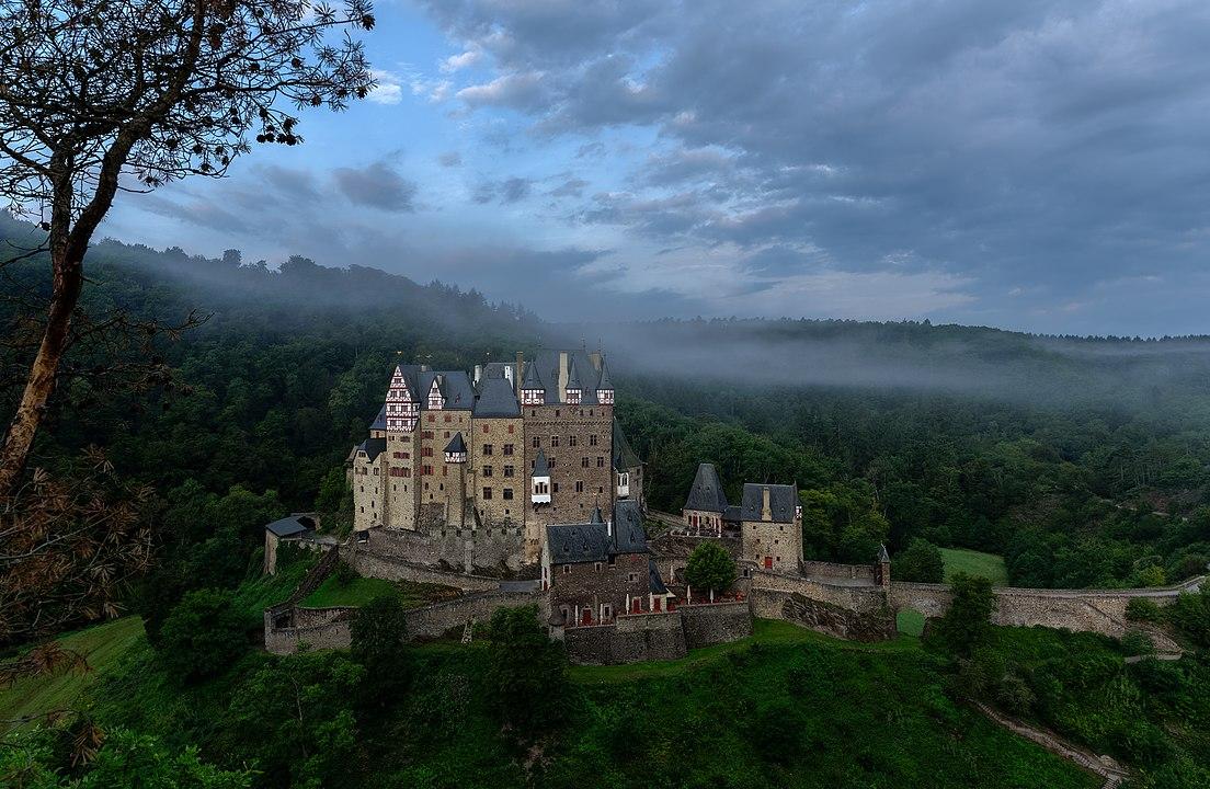 Il castello di Eltz di prima mattina
